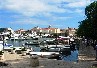 budva_old_town_and_yachts.jpg