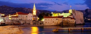 7Budva_at_night